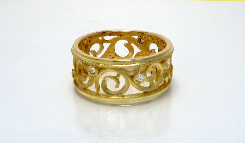 18kt Yellow Gold Filigree Ring with Diamonds by Kevin Cremin at The Avenue Gallery, a contemporary fine art gallery in Victoria, BC, Canada.